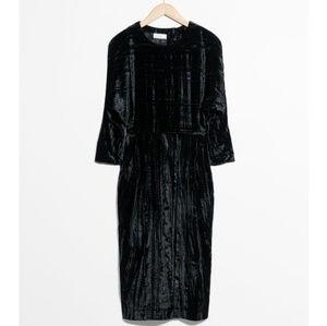 NEVER WORN - black velvet midi dress